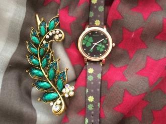 Комплект шал,часовник с детелини и шнола