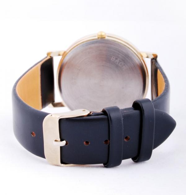 Черен часовник - Паунови пера