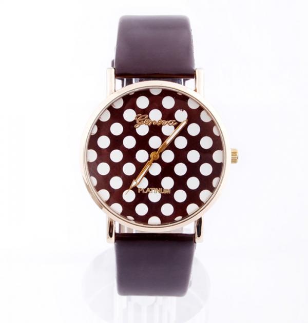 Кафяв часовник с точки