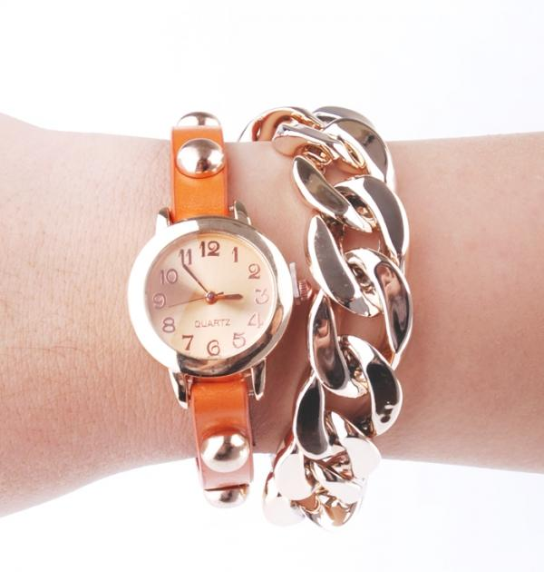 Часовник - гривна с оранжева каишка