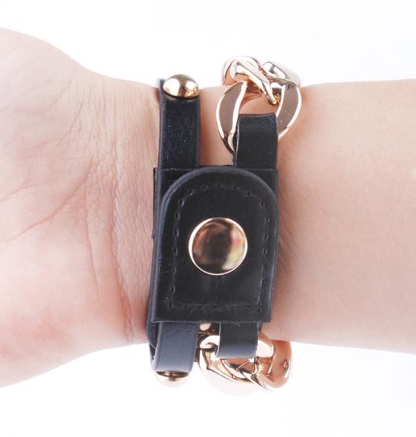 Часовник - гривна с черна каишка
