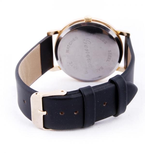 Черен часовник с цветни точки