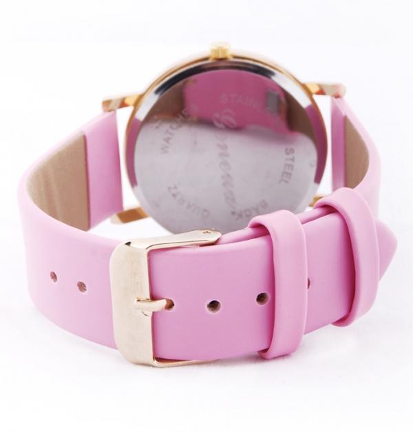 Розов часовник с цветни точки