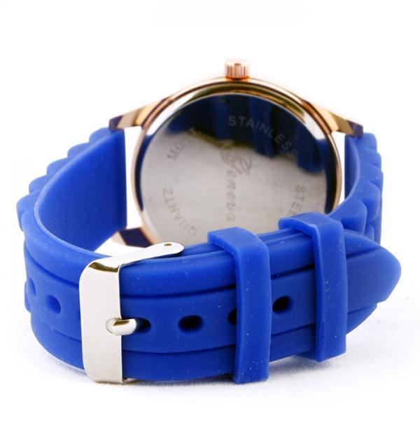 Син часовник с детелина