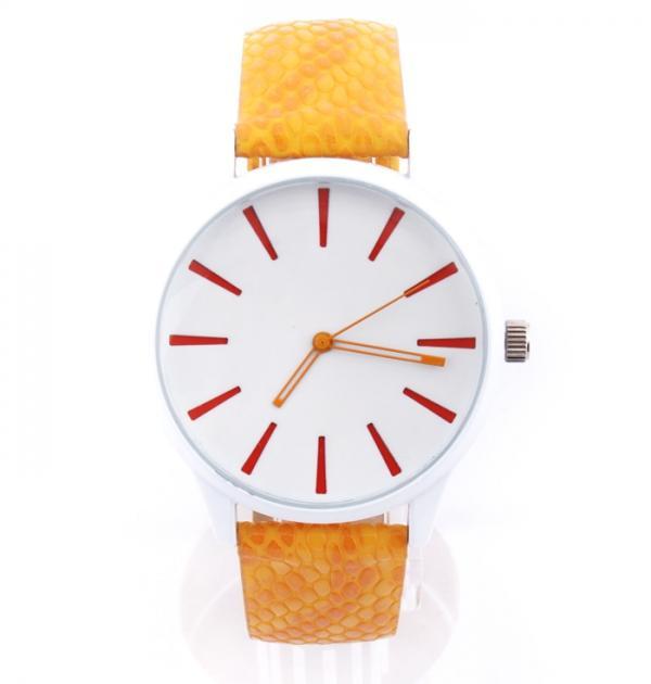 Жълт спортен часовник