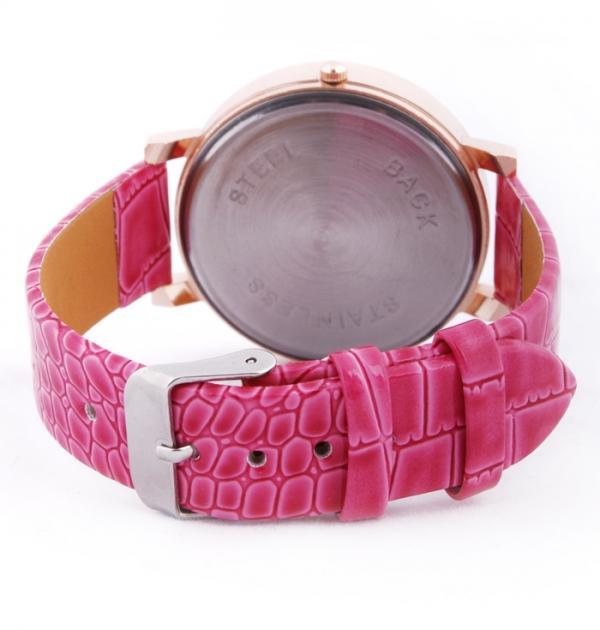 Розов часовник с камъни