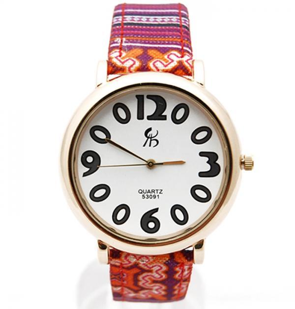 Часовник с розово-сини раета