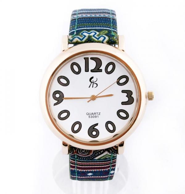 Часовник с зелено-оранжеви раета