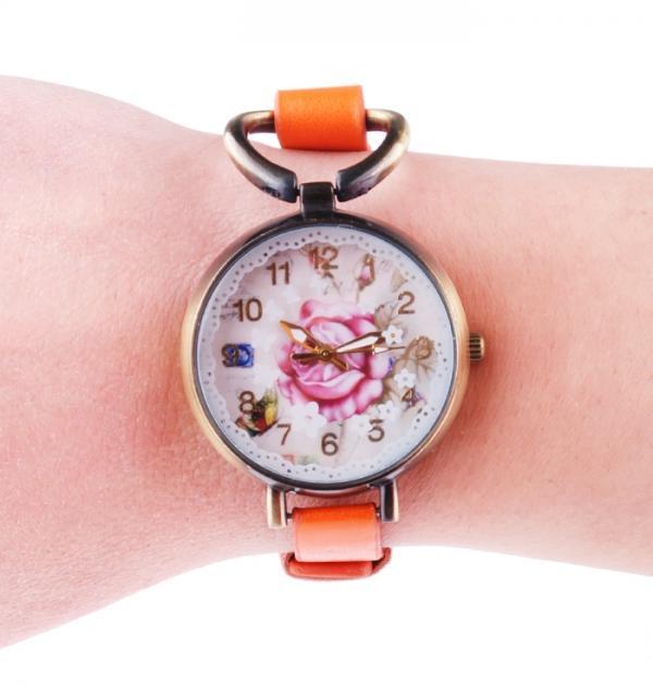 Оранжев часовник-гривна с роза