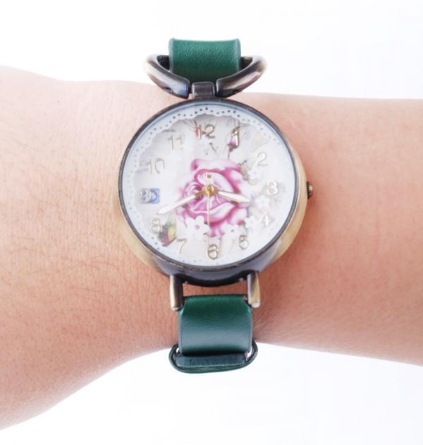 Зелен часовник-гривна с роза