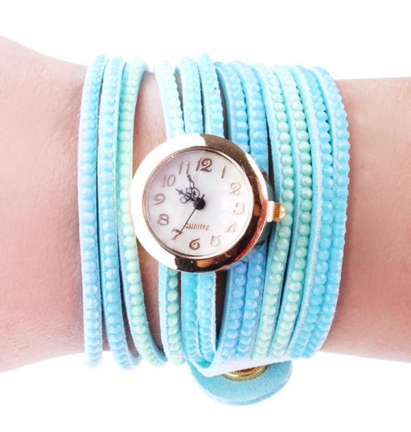 Часовник със синьо-лилава каишка и мъниста