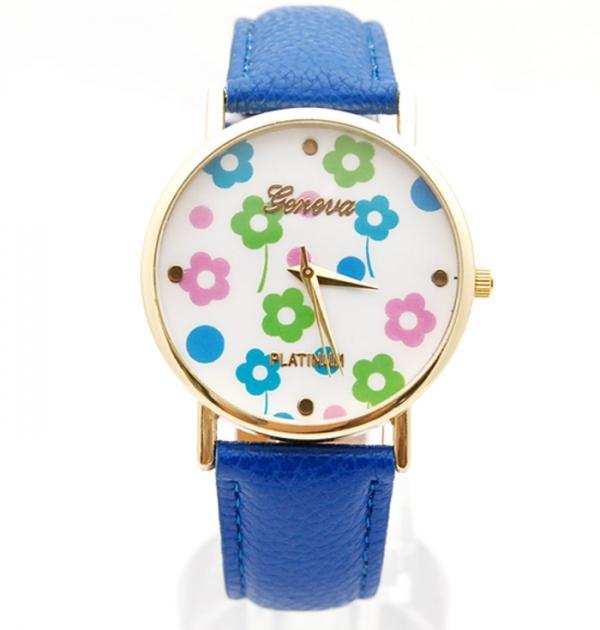 Часовник със синя каишка и флорални мотиви