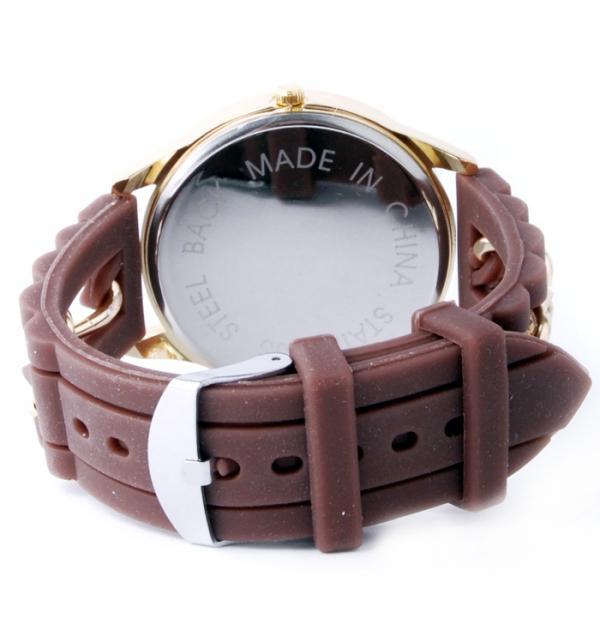 Кафяв часовник със силиконова каишка