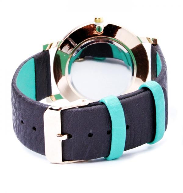 Дамски часовник със сиво-зелена каишка