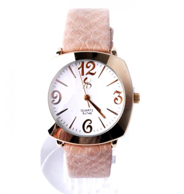 Стилен дамски часовник с бежова каишка
