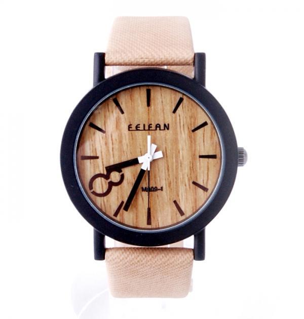 Дамски часовник с бежова каишка, имитираща дърво
