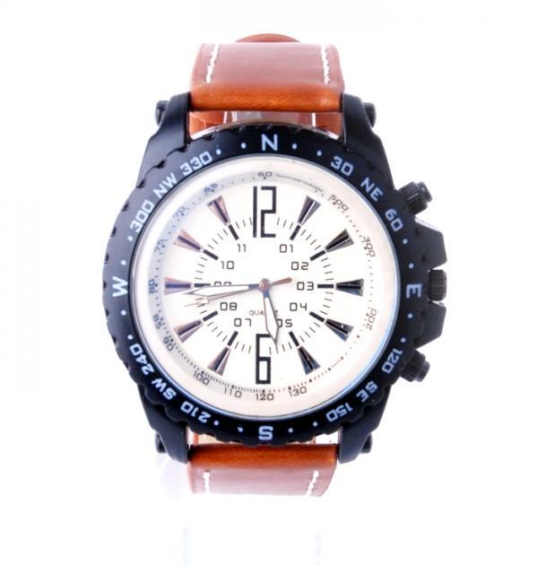 Мъжки спортен часовник с кафява каишка