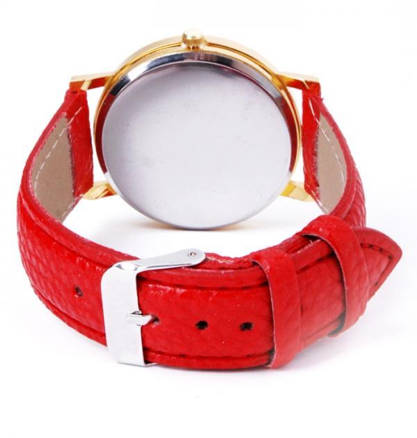 Часовник с червена каишка и цветен циферблат