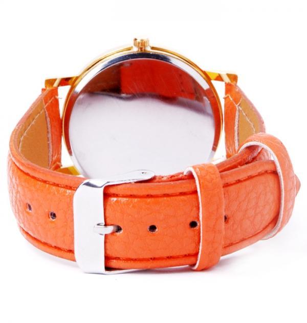Часовник с оранжева каишка и цветен циферблат