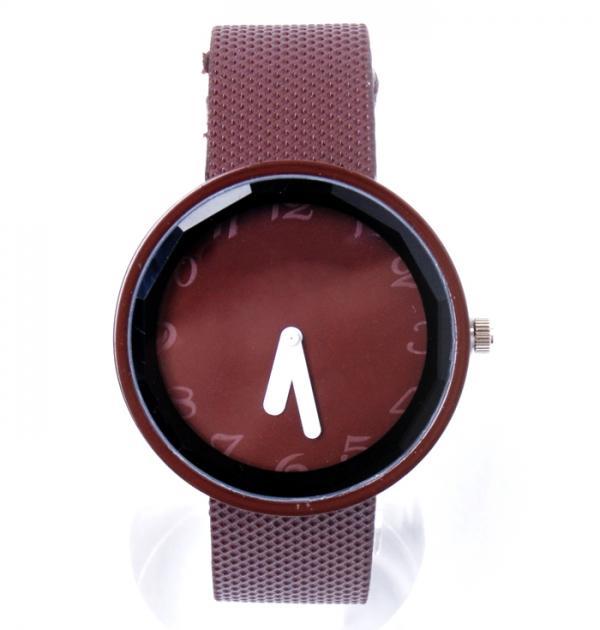Стилен кафяв часовник
