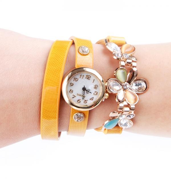 Оранжев часовник-гривна с цвете