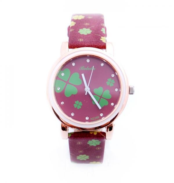 Кафяв часовник с детелини