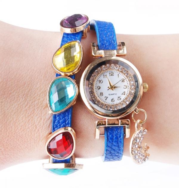 Син часовник с цветни камъни