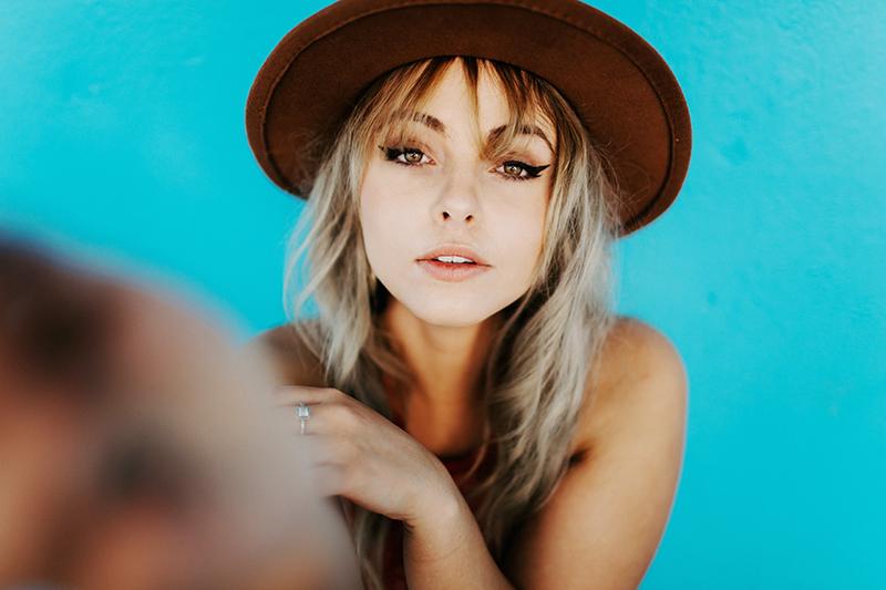 Дамски шапки